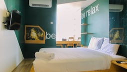Compact and Artsy Studio Cinere Bellevue Apartment