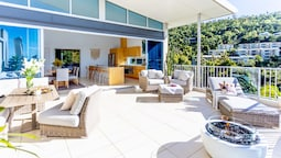 Airlie Beach Penthouse With Pool Near Whitsundays
