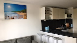 Apartment With one Bedroom in Fréjus, With Wifi - 300 m From the Beach