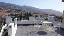 House With 4 Bedrooms in Funchal, With Wonderful sea View, Terrace and