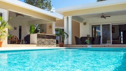 Fully Equipped 4 Bedroom Villa in Gated Community