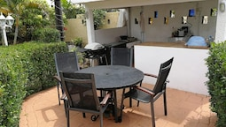 Studio in Flic en Flac, With Enclosed Garden and Wifi - 400 m From the