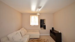 Bright 2 Bedroom Flat in Bedminster