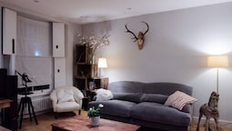 Homely 2 Bedroom Flat in North London