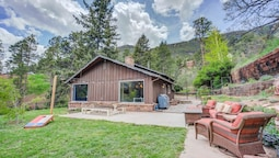4BR Mountain Getaway Pikes Peak, Dog-friendly!