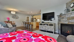 The Brit Suite at Killington: Sleeps 10, Newly Remodeled