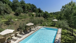 Apartment With one Bedroom in Montepulciano, With Pool Access and Furn