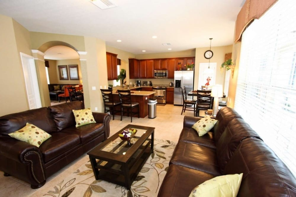 Stunning 6 Bedroom 4 Bath Villa With Private South Facing Pool Hotel Accommodation Kissimmee United States