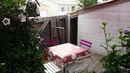 House With 2 Bedrooms in La Rochelle, With Enclosed Garden and Wifi