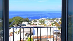 Apartment With 2 Bedrooms in Capri, With Wonderful sea View and Terrac