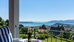 Luxurious Holiday Home in Verbania With Balcony