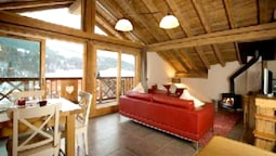 Chalet With 3 Bedrooms in Les Allues, With Wonderful Mountain View, Ba