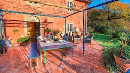 Casa Colli by Vacation in Lucca