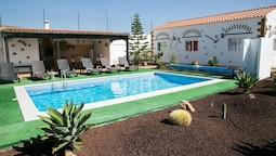 Villa With 4 Bedrooms in Las Palmas, With Wonderful Mountain View, Pri