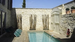 Villa With 3 Bedrooms in Beaucaire, With Private Pool, Enclosed Garden
