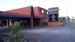 Aquarius Motor Inn