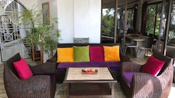 Argonauta Boracay Boutique Hotel with Apartments and Villas