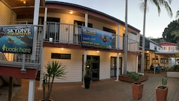 Peppertree Lodge - Hostel