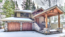 Hickory Lane 22 by Village Properties at Sunriver