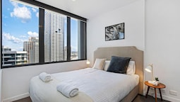 Southern Cross Dream Pad + Melbourne CBD