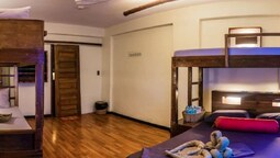 Outpost Hostel - Coron - Adults Only