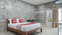 OYO 958 The Airport Residence