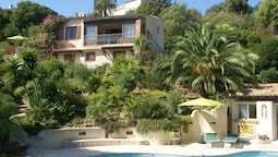 Nice Villa With Seaview in Les Issambres, France, With Private Swimmin