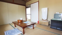 Antique room with Onsen in Atami