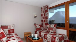 Well-furnished Apartment in Méribel-mottaret at 1800m
