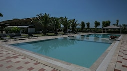 Lovely Apartment With Swimming Pool in Lazise