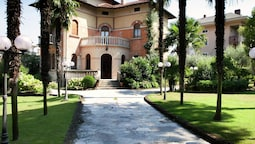Elegant Art Nouveau Villa With Private Pool a Short Distance From the