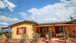 Country House With Swimming Pool and Garden With Mediterranean Plants,