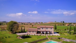 Typical Tuscan Farmhouse With Private Swimming Pool, 900m Away From a