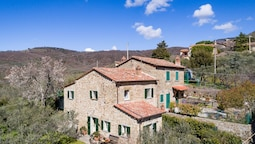 Cozy Villa in Cortona With Private Swimming Pool
