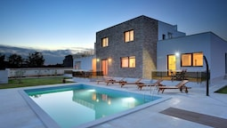 Modern Villa Consisting of two Apartments With Private Pool, Beach at