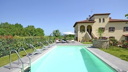 Peaceful Villa in Cortona With Private Swimming Pool