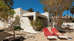 Detached Villa With Communal Swimming Pool, Located in the North of La