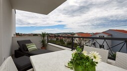 Enticing Holiday Home in Trogir Near Seabeach