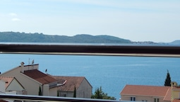 Beautiful Apartment in Trogir Near Beach
