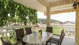 Boutique Apartment With Garden in Trogir