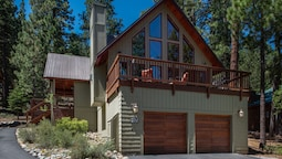 Basque Haus by Tahoe Mountain Properties
