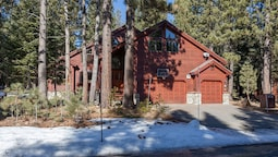 Pine View Lodge by Tahoe Mountain Properties