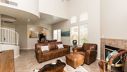Arroyo Madera 119 3BR Townhome by Casago