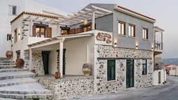 Traditional & Luxury, only few km from sea