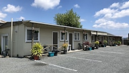 Camellia Court Family Motel